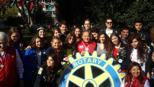 Group photo with RI President Gary Huang